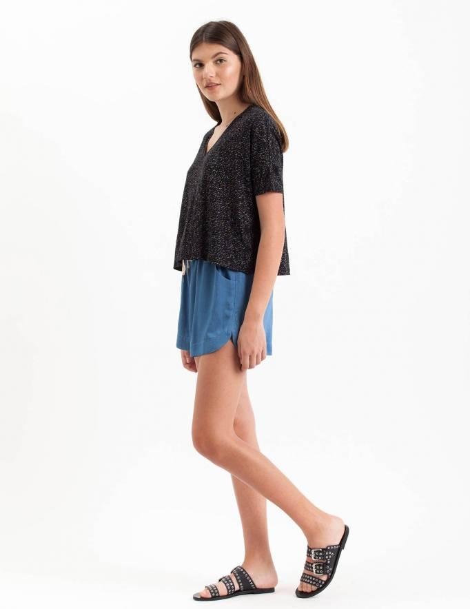 Alef Alef | אלף אלף - בגדי מעצבים | חולצת Lipin שחור קווי צבע