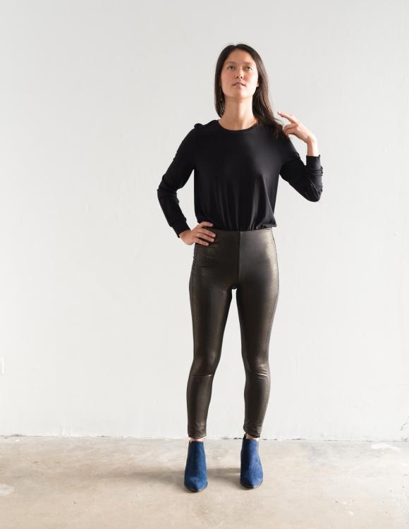 Alef Alef | אלף אלף - בגדי מעצבים | מכנסי Shosh שחור פסים זהב