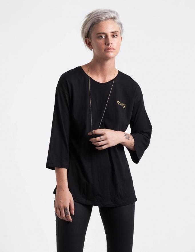 Alef Alef | אלף אלף - בגדי מעצבים | חולצת Hanna שחור ריקמה