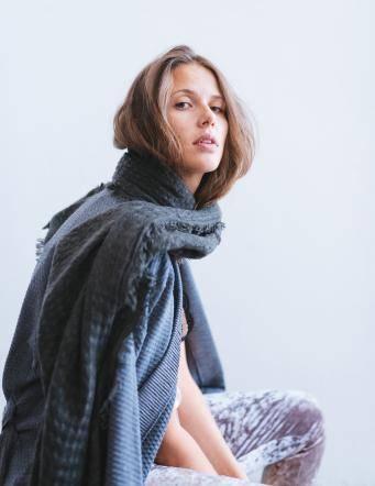 Alef Alef | אלף אלף - בגדי מעצבים | צעיף חורפי אפור