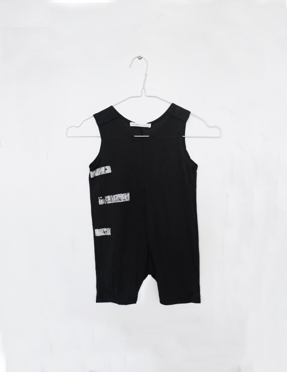 Alef Alef | אלף אלף - בגדי מעצבים | אוברול קו שחור פס לבן