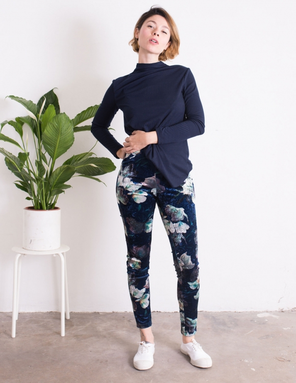 Alef Alef | אלף אלף - בגדי מעצבים | מכנסי Shoshanna פרחים קטיפה