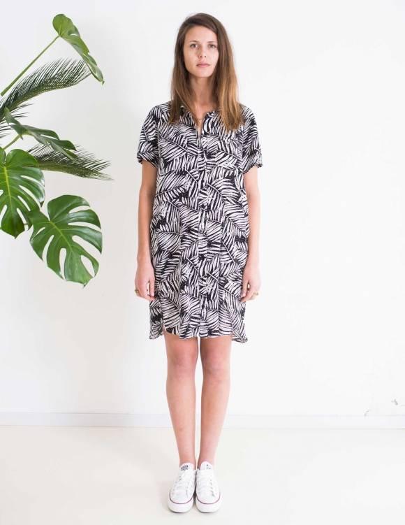 Alef Alef   אלף אלף - בגדי מעצבים   Sample   שמלת DALIA הדפס שחור לבן