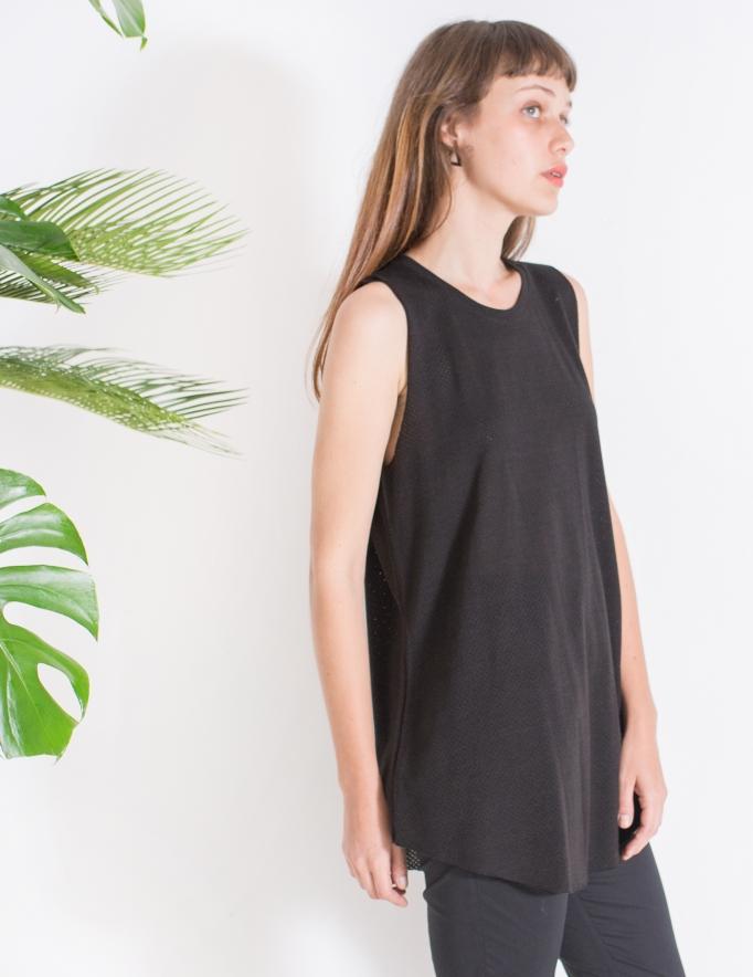 Alef Alef | אלף אלף - בגדי מעצבים | גופיית Rue שחור מחורר