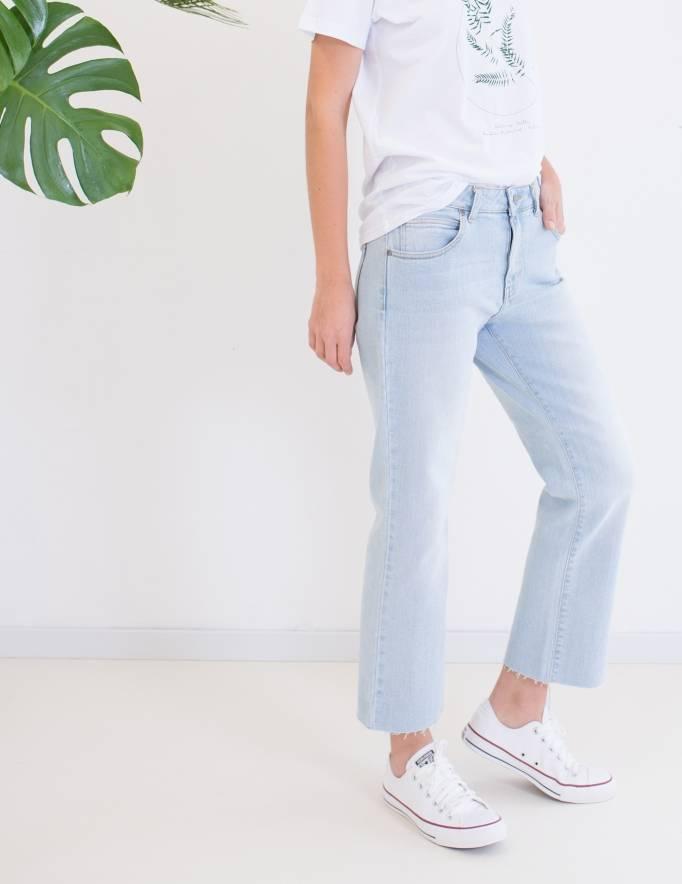 Alef Alef | אלף אלף - בגדי מעצבים | ג'ינס Dr. Denim MEADOW