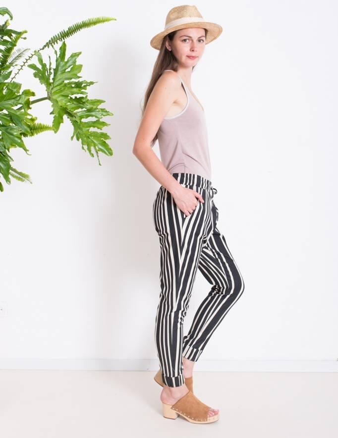 Alef Alef | אלף אלף - בגדי מעצבים | Sample | מכנסי ORCHID פסים שחור לבן