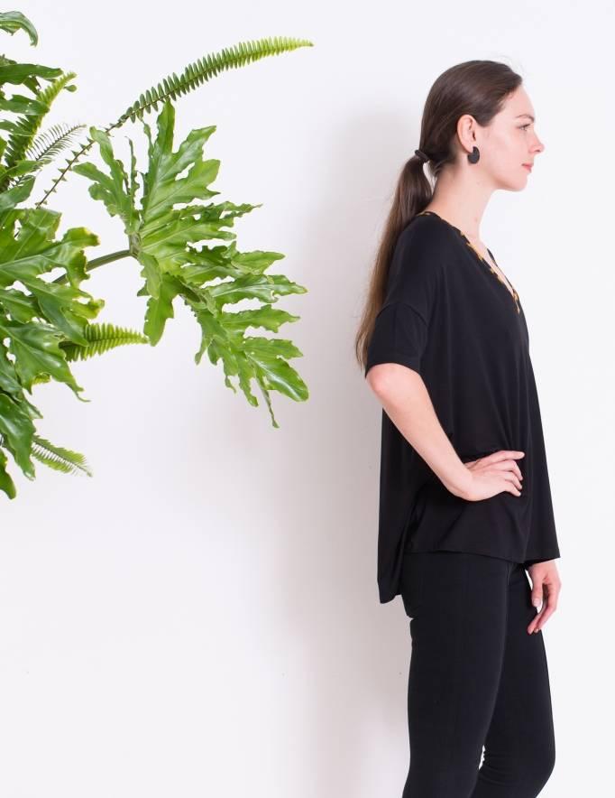 Alef Alef | אלף אלף - בגדי מעצבים | חולצת BUTTERCUP שחור מנומר