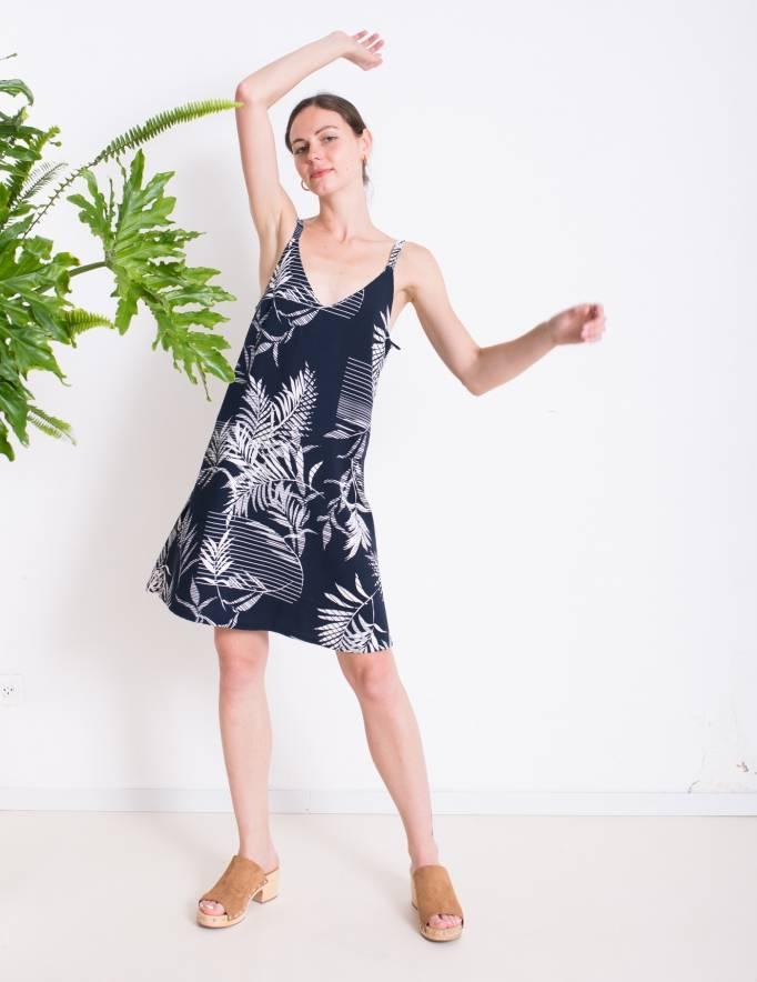 Alef Alef | אלף אלף - בגדי מעצבים | שמלת ROSE כחול הדפס לבן