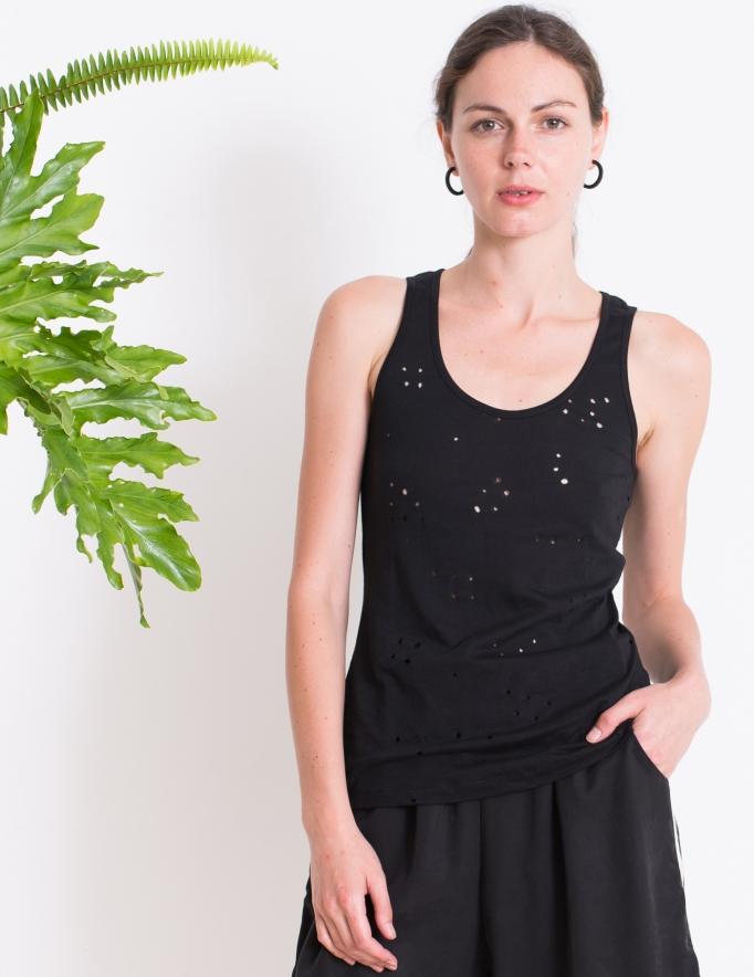 Alef Alef | אלף אלף - בגדי מעצבים | גופית OAK שחור מחורר