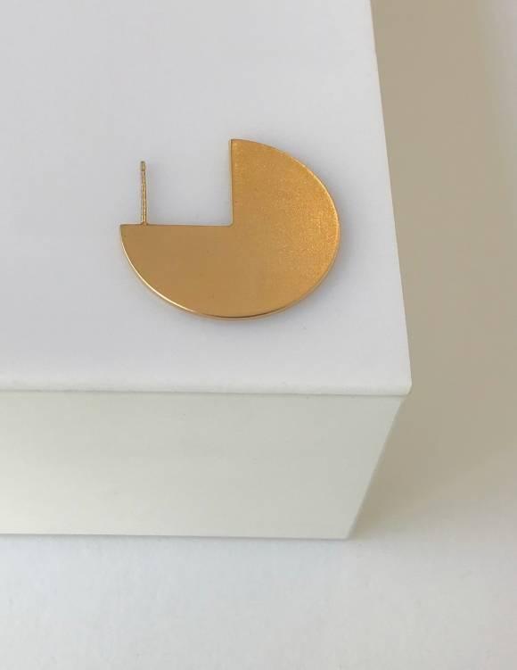 Alef Alef | אלף אלף - בגדי מעצבים | עגיל Pepi  EF גדול זהב