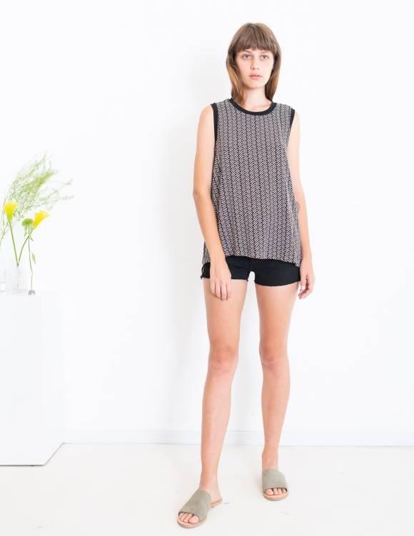 Alef Alef | אלף אלף - בגדי מעצבים | סאמפל גופיית Poppy דפוס גיאומטרי