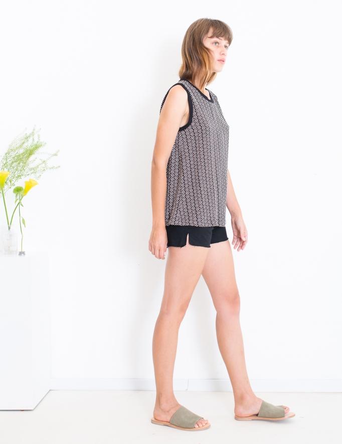 Alef Alef | אלף אלף - בגדי מעצבים | גופיית Poppy דפוס גיאומטרי