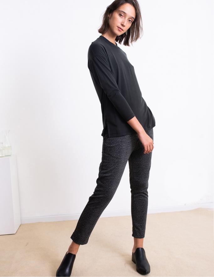 Alef Alef | אלף אלף - בגדי מעצבים | חולצת Damien שחור פחם
