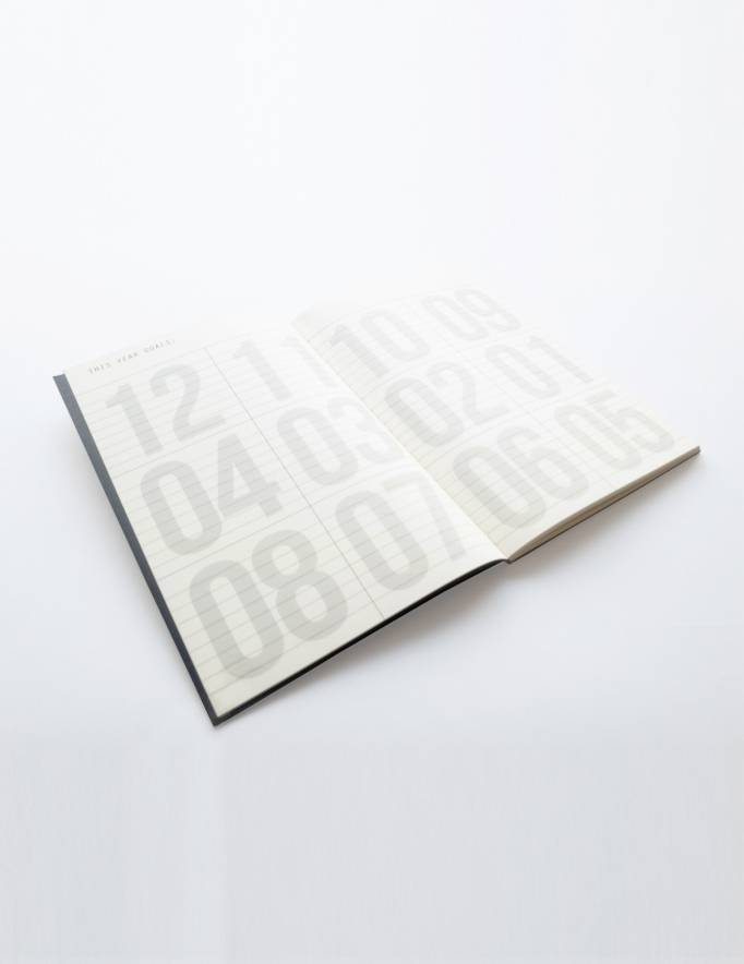 Alef Alef | אלף אלף - בגדי מעצבים | יומן שבועי Kariniti A6 / שחור זהב