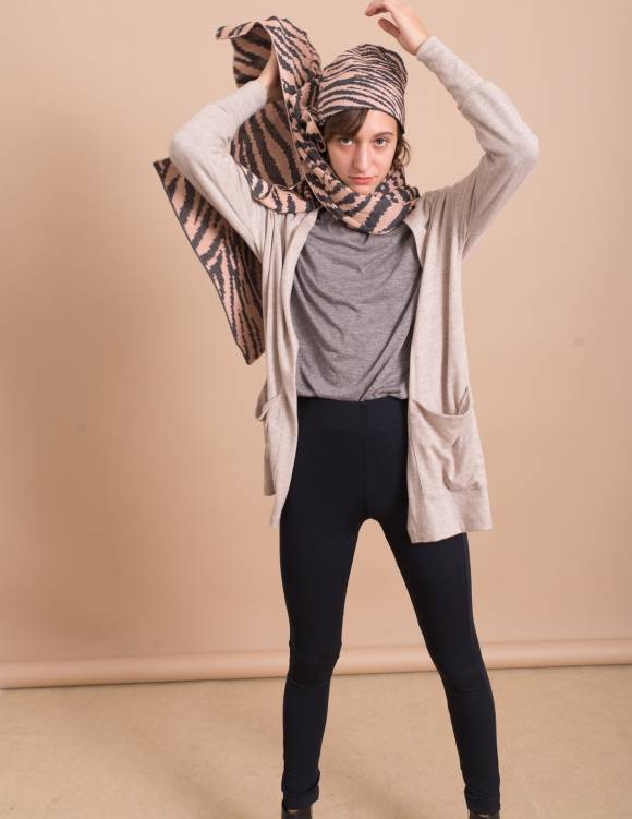 Alef Alef | אלף אלף - בגדי מעצבים | כובע צמר ורוד/ אפור