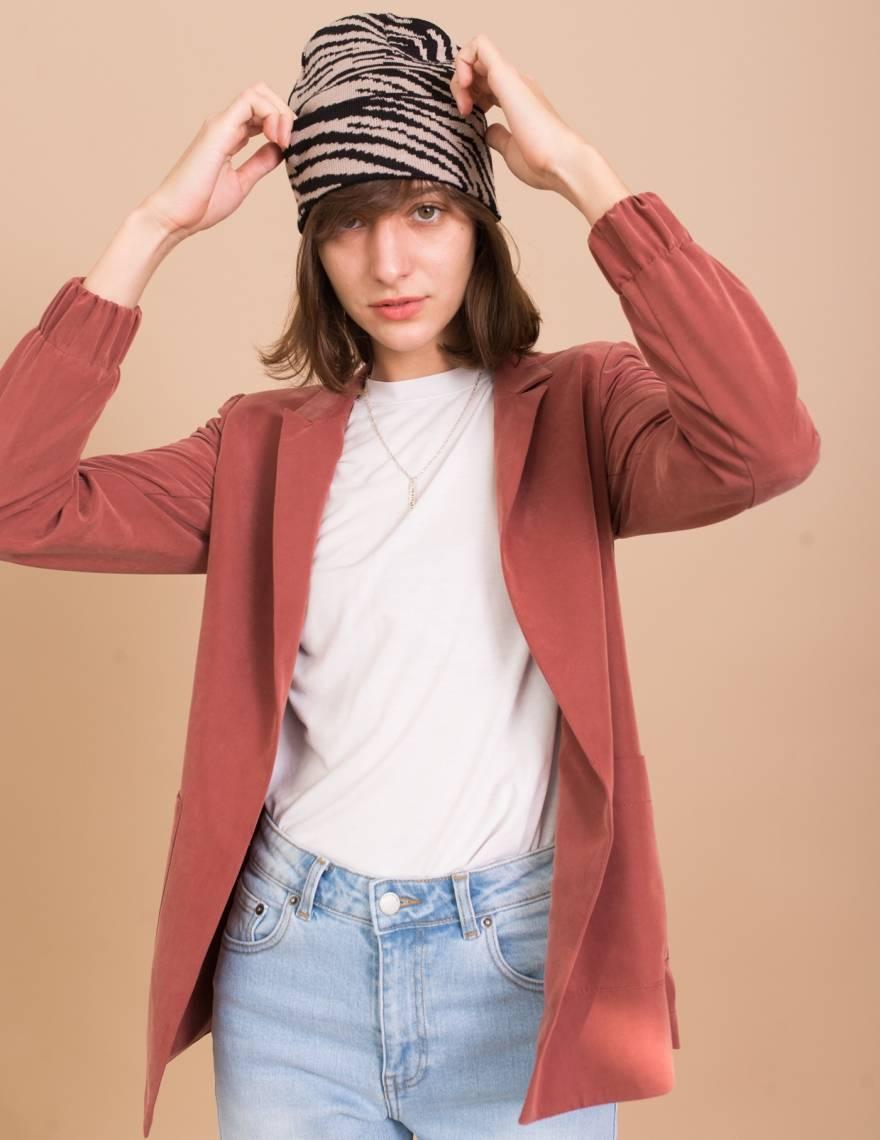 Alef Alef   אלף אלף - בגדי מעצבים   כובע צמר שחור/ אפור