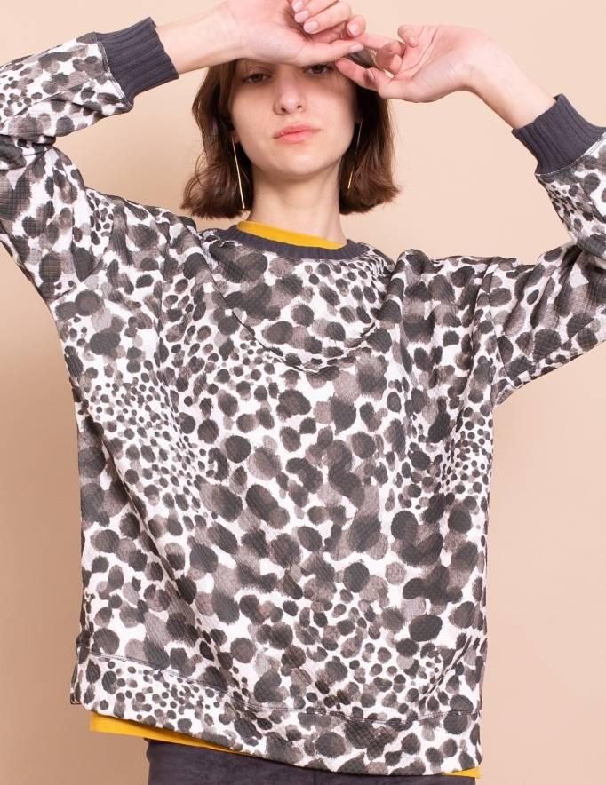 Alef Alef | אלף אלף - בגדי מעצבים | סווטשירט Michelle לבן הדפס