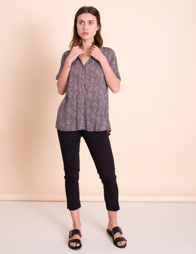 Alef Alef | אלף אלף - בגדי מעצבים | חולצת Lewis הדפס חברבורות