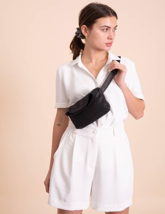 Alef Alef | אלף אלף - בגדי מעצבים | Lady Bird מיני פאוץ' שחור טקסטורה