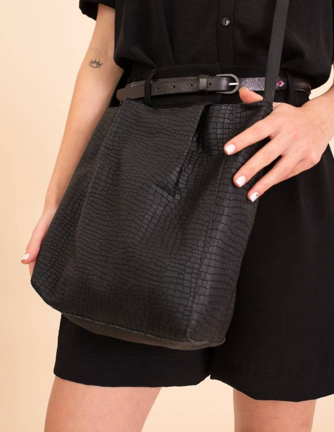 Alef Alef | אלף אלף - בגדי מעצבים | תיק Lady Bird מיני ג'וליה שחור טקסטורה