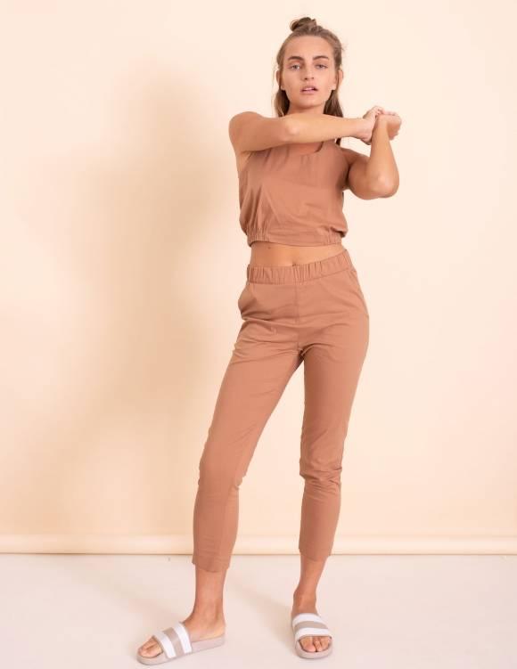 Alef Alef | אלף אלף - בגדי מעצבים | מכנסי Leon קאמל