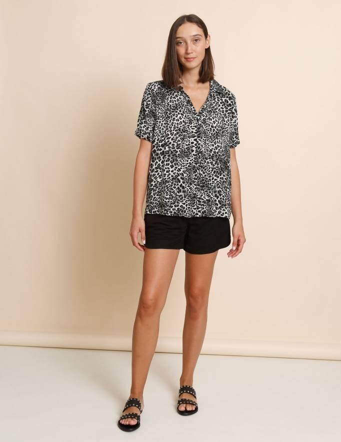 Alef Alef | אלף אלף - בגדי מעצבים | חולצת Lewis מנומר שחור/ לבן