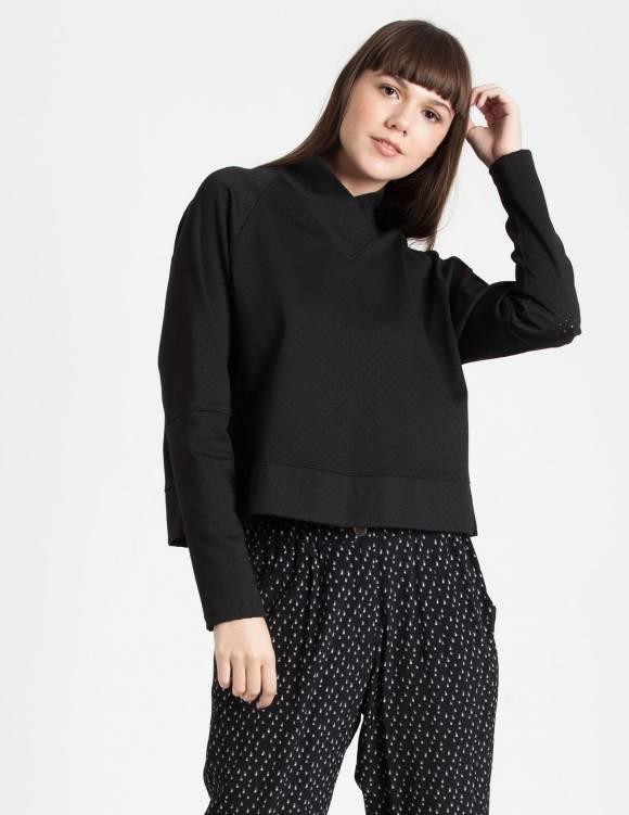 Alef Alef   אלף אלף - בגדי מעצבים   Sample#94   סוודר Heartשחור מחורר