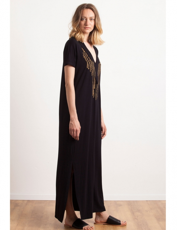 Alef Alef | אלף אלף - בגדי מעצבים | Sample#4 | שמלת מקסי שחורה עם רקמה זהב