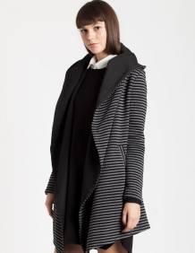 Alef Alef | אלף אלף - בגדי מעצבים | Sample | מעיל Ayula אפור פסים