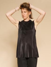 Alef Alef   אלף אלף - בגדי מעצבים   גופית Klein שחור נצנץ