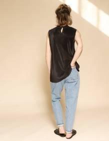 Alef Alef | אלף אלף - בגדי מעצבים | גופית Klein שחור