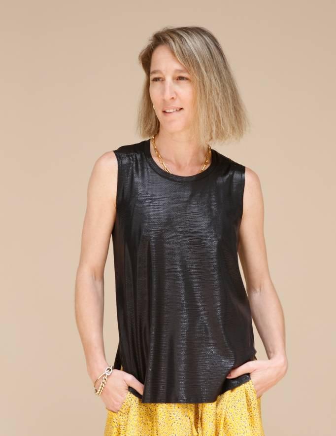 Alef Alef | אלף אלף - בגדי מעצבים | גופית LEVY שחור מבריק