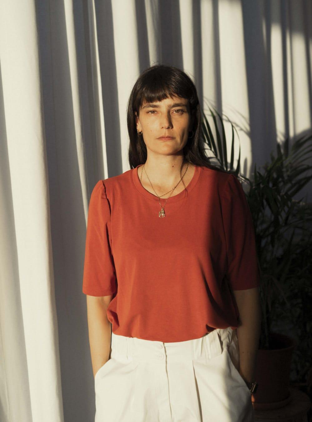 Alef Alef   אלף אלף - בגדי מעצבים   חולצת Diana חמרה